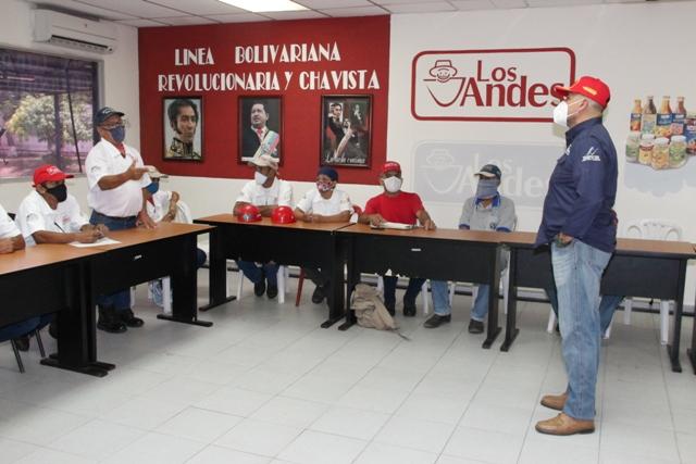 <b>CLASE OBRERA PROTAGONIZA FORTALECIMIENTO PRODUCTIVO DE LÁCTEOS LOS ANDES<b>